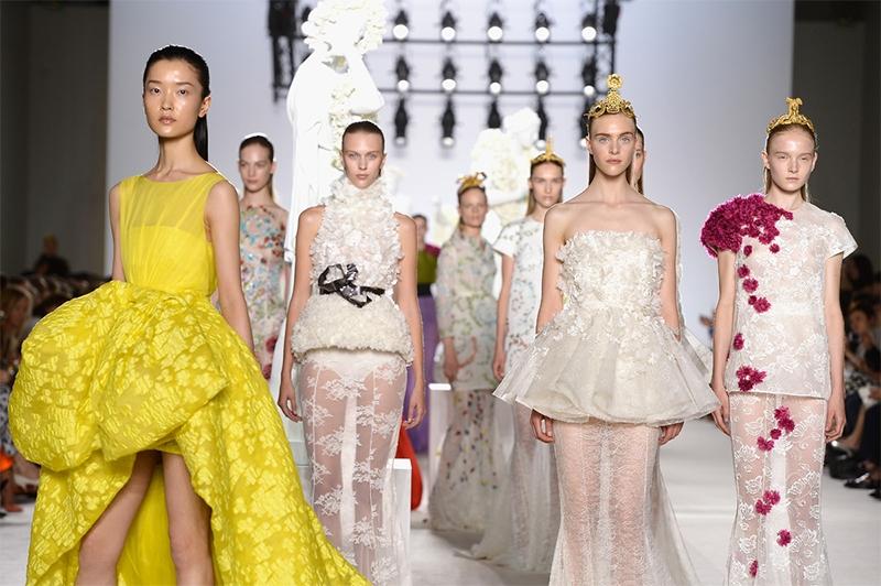 Conoce que es el Haute Couture : La Realeza de La costura.